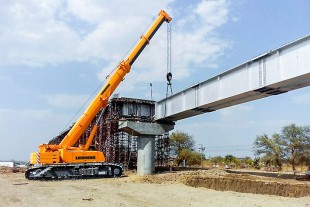 The new LTR 1220 of NCC Ltd. lifts girders for the metro project at Nagpur Maharashtra.