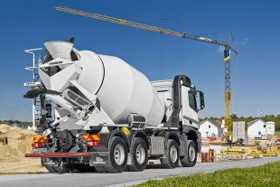 The new truck mixer by Liebherr provides better cost efficiency and many innovations for increased customer benefits.