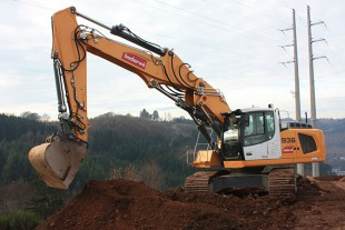 Powerful and versatile: The new R 936 crawler excavator of the Bodarwé Group