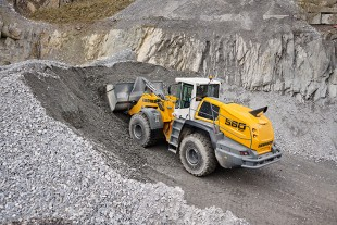 Liebherr showcases the robust and powerful L 580 XPower® wheel loader at Steinexpo.
