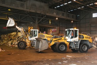 Liebherr L 556 XPower® Wheel Loaders ready for work at the Clyde Transfer Terminal.