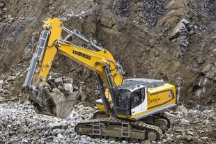 With an operating weight of 80 tonnes, the R 970 SME features components from the 90-tonne standard model R 976