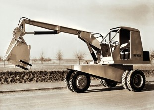 With the L 300 Hans Liebherr built the first hydraulic excavator in Europe.