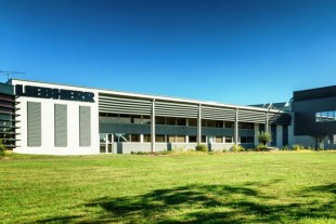 Liebherr-Aerospace has added a new building at its site in Campsas.