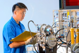 Testing of a valve at Liebherr-Aerospace Singapore