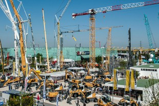 Liebherr trade fair stand at Intermat 2018