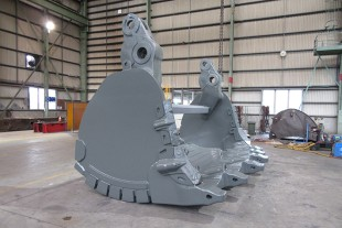 Glencore's R 996 B Face Shovel Clam.