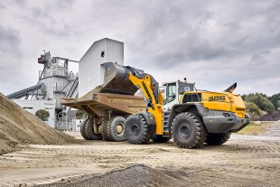 Highly efficient no matter the application: the L 586 XPower® with power-split driveline technology fitted as standard.