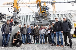 Students from the mechanical engineering programme at the Kempten University of Applied Sciences visiting Liebherr at Bauma.