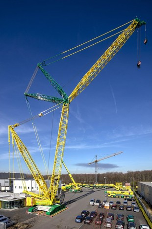 The new Liebherr LR 1500 crawler crane at HKV Schmitz's Cologne site.