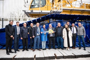 Eurogruas 2000 took delivery of the first new Liebherr LR 1800-1.0 crawler crane at the Bauma.