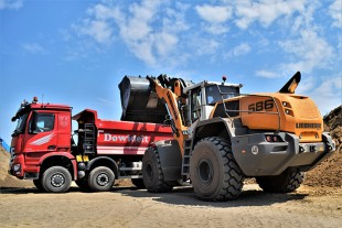 Dowideit is impressed by the low fuel consumption and high reliability of the new L 586 XPower®.