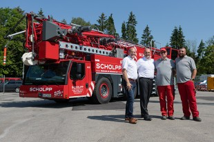 F.l.t.r.: Jan Meißner (Scholpp), Christian Frewer (Liebherr), Mathias Schoone and Daniel Hentschel (both Scholpp).