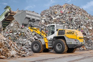 The Liebherr L 550 XPower® can handle both short and long distances as well as driving on gradients with maximum efficiency. The high performance of the machine boosts operational productivity.