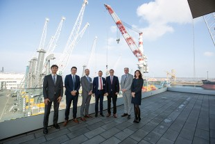 Representatives from Lindø port of Odense and Liebherr Rostock