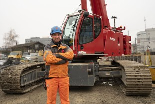 Not just a large track width – if necessary, crane operator Heinz Wittwer can reduce the track width of the crawler carriers on his LTR 1060 to just three metres.