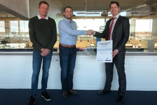 After the contract signature (from left to right): Søren Knudsen, Continuing Airworthiness Manager Great Dane Airlines, Thomas Hugo Møller, CEO Great Dane Airlines and Gernot Zahn, Regional Sales Manager for Liebherr-Aerospace Customer Service