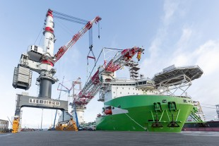 Liebherr's most powerful crane comes from the offshore sector: The HLC 295000 is mounted on the offshore installation vessel Orion. The Liebherr TCC 78000 gantry crane helps with the installation of individual large components.