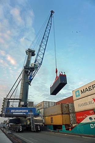 Liebherr equipment turns Rostock into an efficient multipurpose port and future distribution centre of the New Silk Road