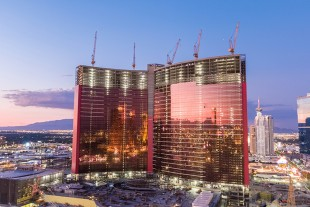 Morrow Equipment Co. and W.A. Richardson Builders choose five Liebherr 542 HC-L 18/36 cranes for the Resorts World Las Vegas hotel and casino project, which is located on the famous Las Vegas Strip.