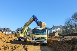 The excavation and tractive forces of the R 938 undercarriage and the swing torque of the uppercarriage have been significantly increased compared to the previous generation.