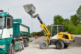 With its telescopic lift arm, the L 509 Tele can easily load larger lorries or containers.