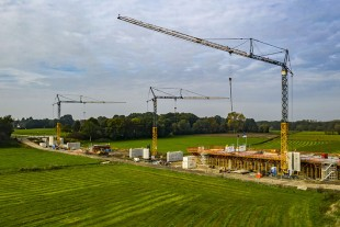 Liebherr's K series cranes in operation at the bridge construction project in Meppen.