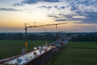 An early start for the K series cranes in Meppen.