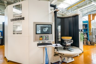 Joint Liebherr development: New high capacity five-axis machining center with an Rotary Loading System at Liebherr-Aerospace in Campsas (France)