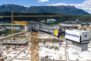 Liebherr expands in Italy with Niederstätter.