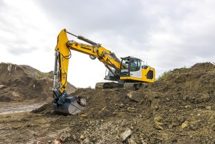 The R 928 G8 has a larger maximum bucket size than the R 926 G8, a high drawbar pull and an excellent lifting capacity.