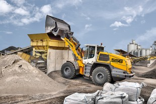 Expanded availability: LIKUFIX is now also available for a large number of Liebherr large wheel loaders, such as the L 556 XPower®.