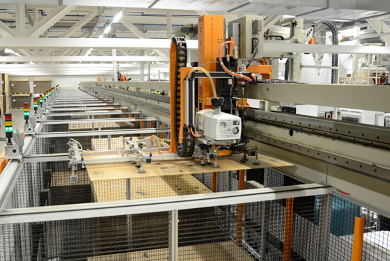 Packaging system with integrated box standby feature