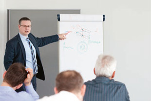 Liebherr offers a broad spectrum of seminars depending on previous knowledge.
