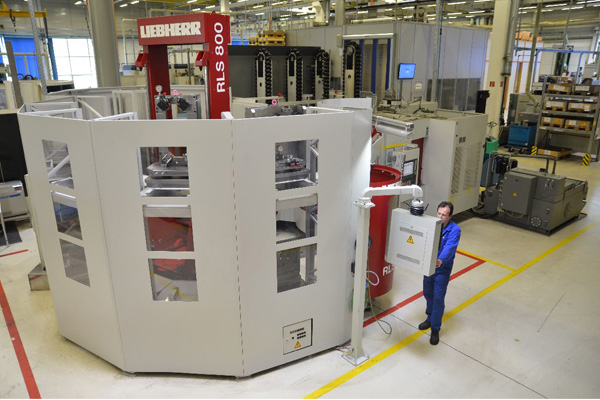 With the RLS 800, workpieces of up to 800kg can be transported