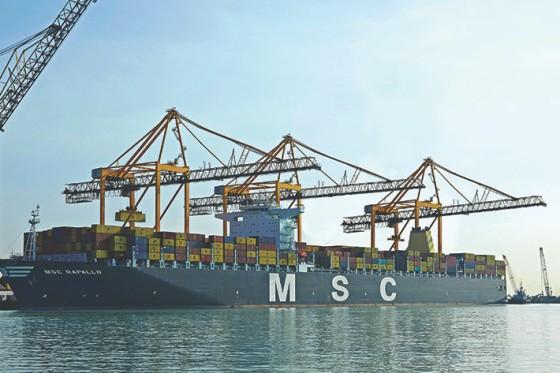Ship To Shore Gantry Crane Definicion : Portiques de chargement et d?chargement liebherr