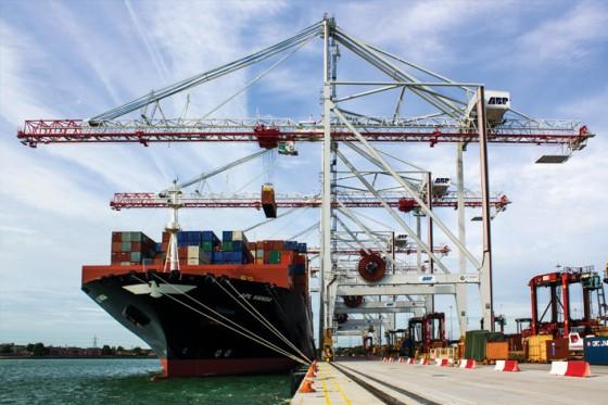 Ship To Shore Gantry Crane Definicion : Ship to shore container cranes liebherr