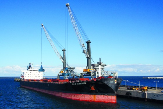 Two LPS servicing a bulk carrier in Poland