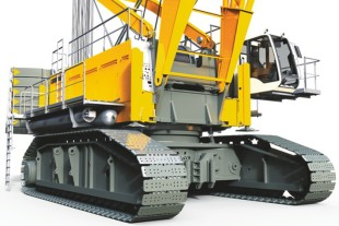 Liebherr duty-cycle crawler crane HS 8300 HD with the Pactronic hybrid drive