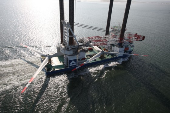liebherr-oc-cal-45000-crane-around-the-leg-heavy-lift-offshore-wind-plant-installation-innovation-hgo-7