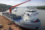 Content_3to2_liebherr-sc-cbw-2100-cargo-board-wippbar-container-handling-multi-purpose-chowgule-and-company-indonesia