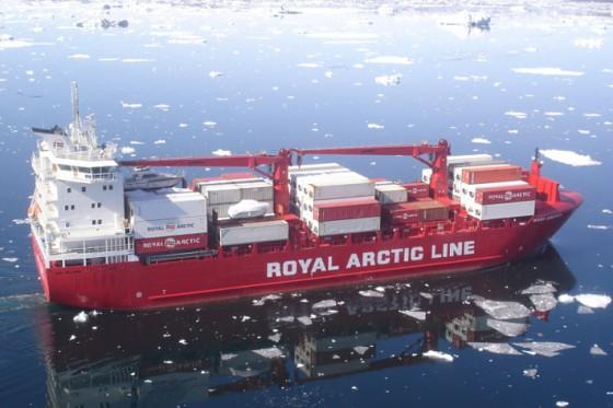 Arctic Line : Cylinder luffing ship cranes cbw liebherr