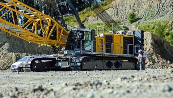 Liebherr Construction - Google+   Heavy construction equipment, Heavy  equipment, Construction equipment